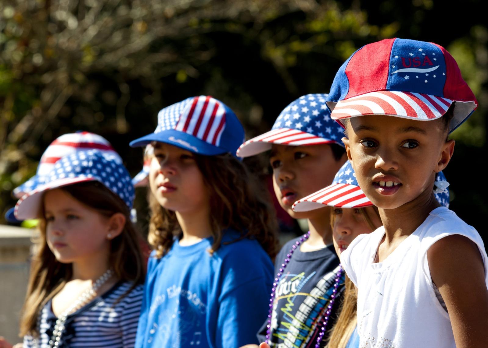 memorial day weekend photo ideas kids in hats