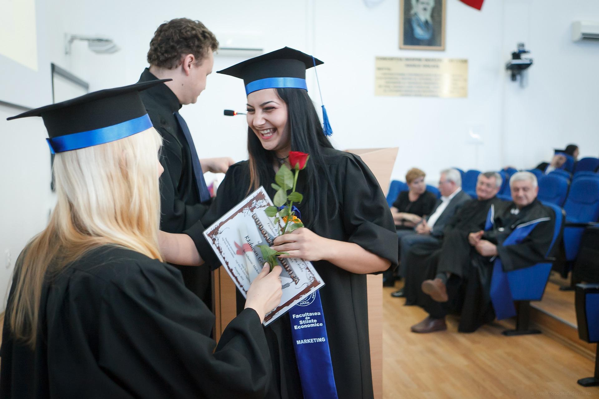 ceremony graduation photo tips