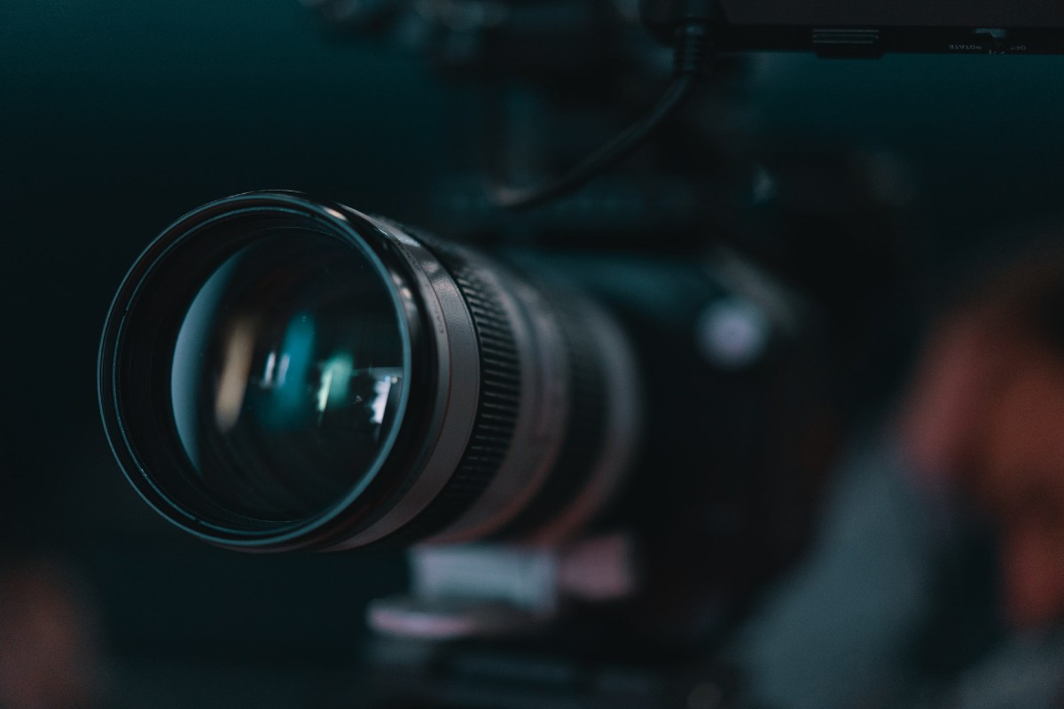 Smartphone vs. Digital Camera camera lens web