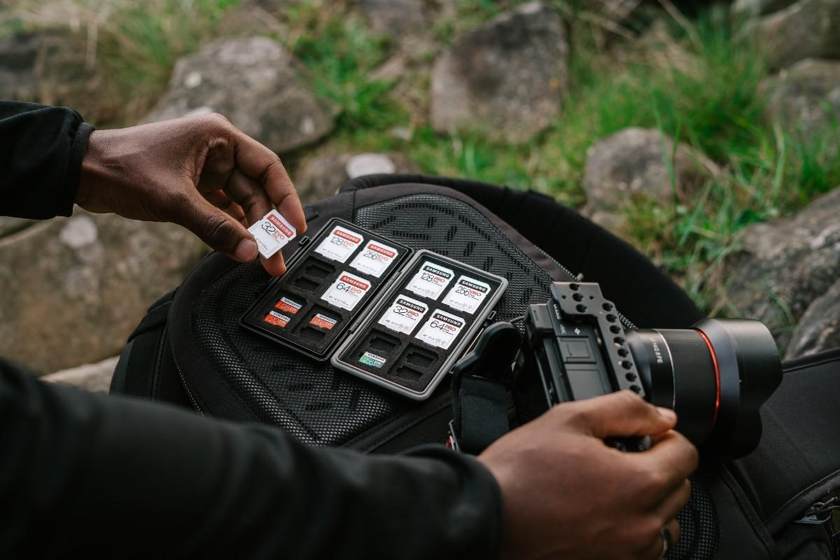 Smartphone vs. Digital Camera camera memory cards web