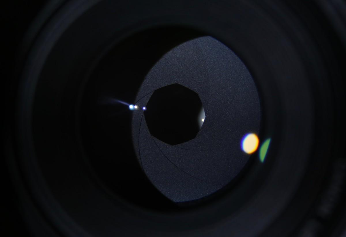 Smartphone vs. Digital Camera closeup lens web